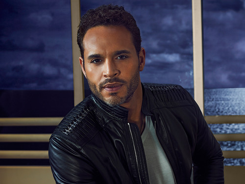 Daniel Sunjata as Paul Briggs in 'Graceland'