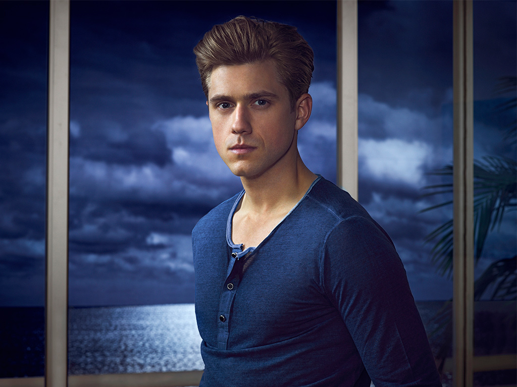 Aaron Tveit as Mike Warren in 'Graceland'